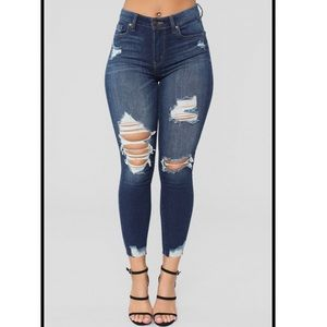Fashion nova BRAND NEW ankle jeans